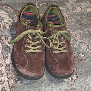 Dansko Elise Sneakers Size 39 or 9